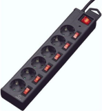 6er-Steckdosenleiste, einzeln schaltbar mit integriertem Überspannungsschutz